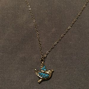 Jewelry - Dainty gunmetal bird necklace